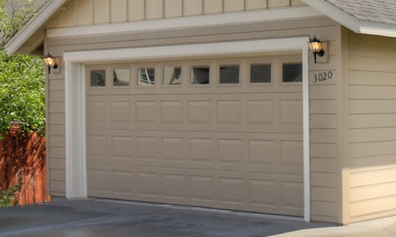 green_image_exterior_option_mobile_garage-door.jpg